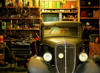 Have a Look on Pros and Cons of Classic Car Restoration